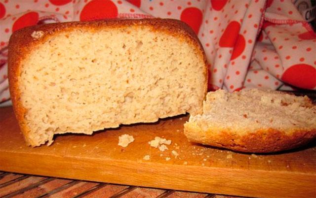 Фото безглютенового кукурузного хлеба с рисовой мукой