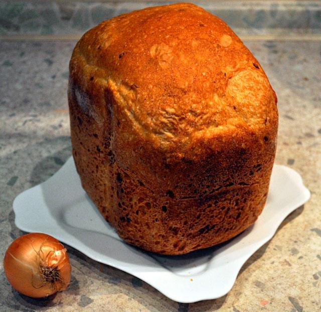 Хлеб луковый в хлебопечкеы